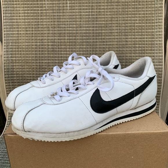 Nike Cortez Basic Leather Black White On Foot